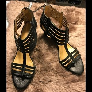 Nine West Richesse size 9.5 black strappy heels